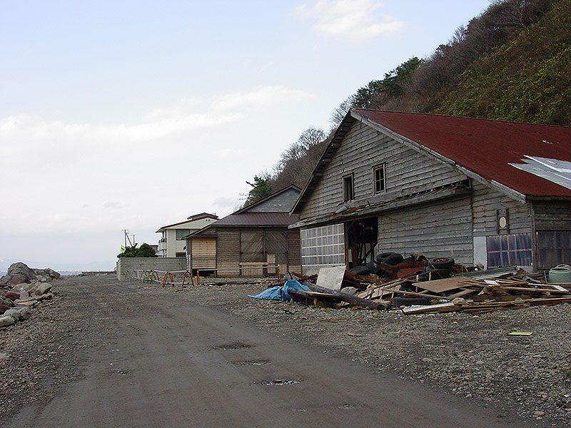 穴澗海水浴場付近の倉庫